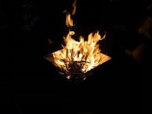 焚火台 燃えてます